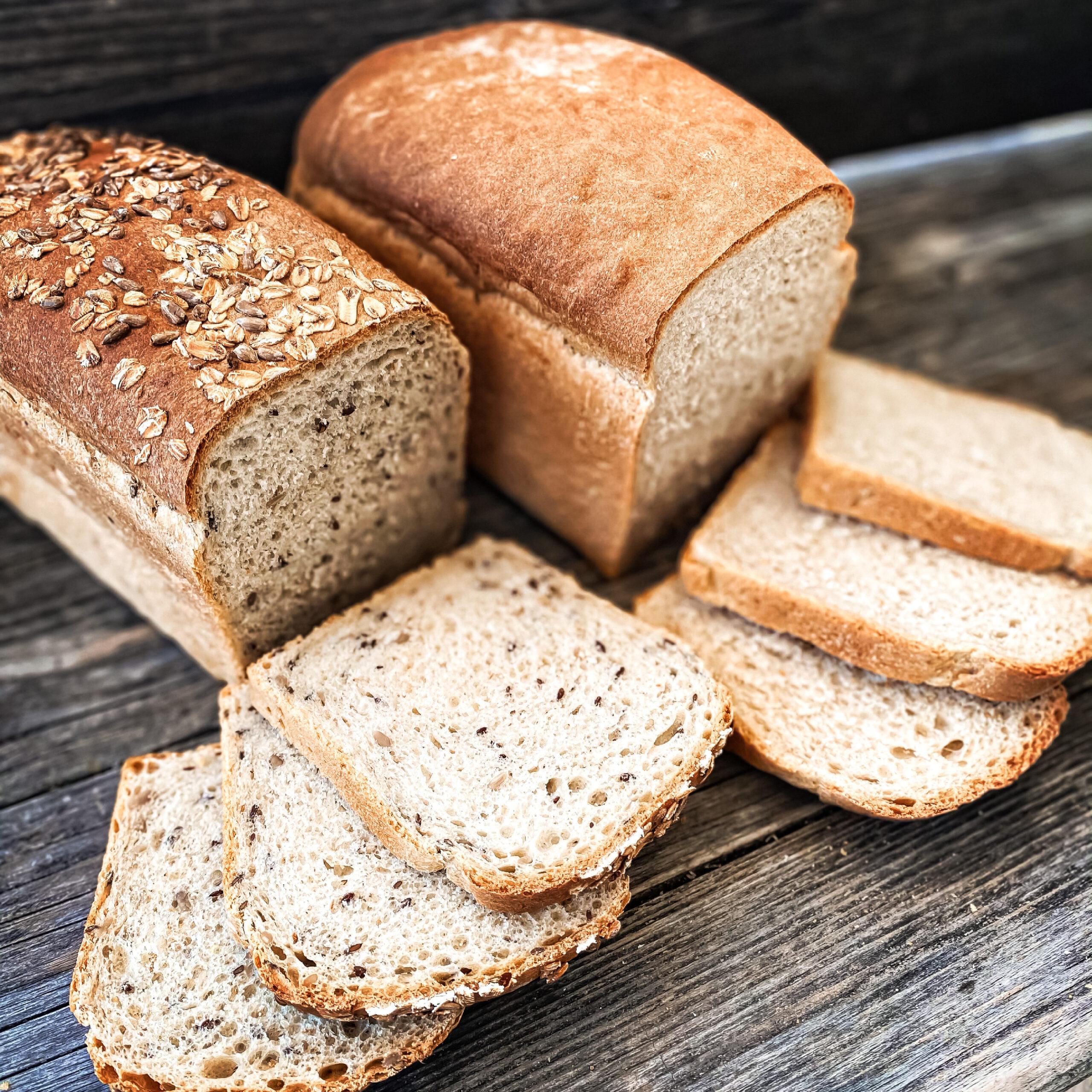 Doppelkorn und Winzerweck als Brote
